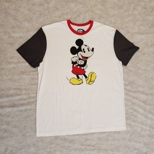 Vintage 90s Style Disney's Mickey Mouse Tee